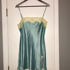 Victoria's Secret green/cream lace Chemise